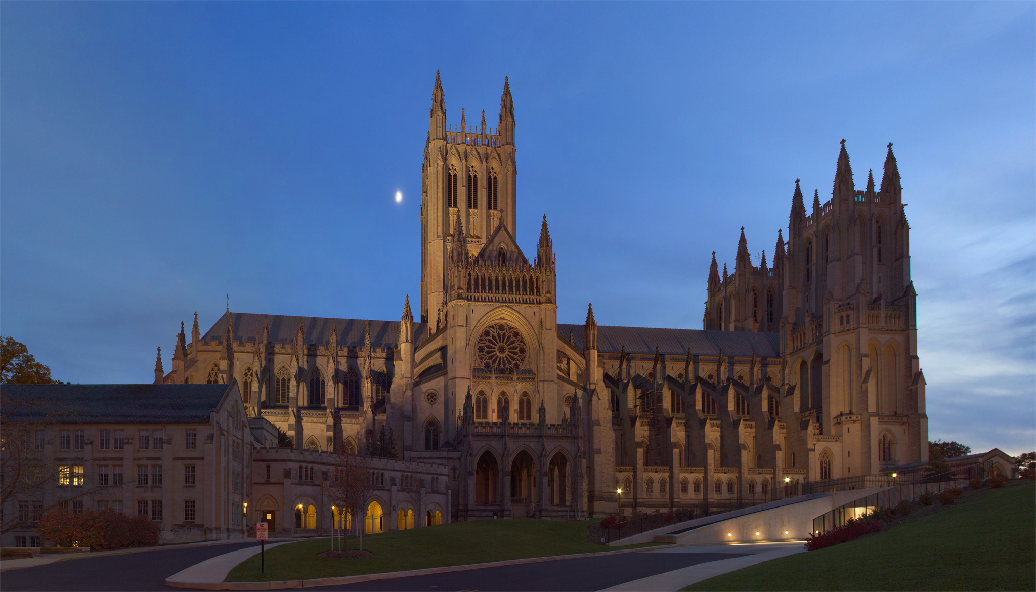 Washington_National_Cathedral.jpg